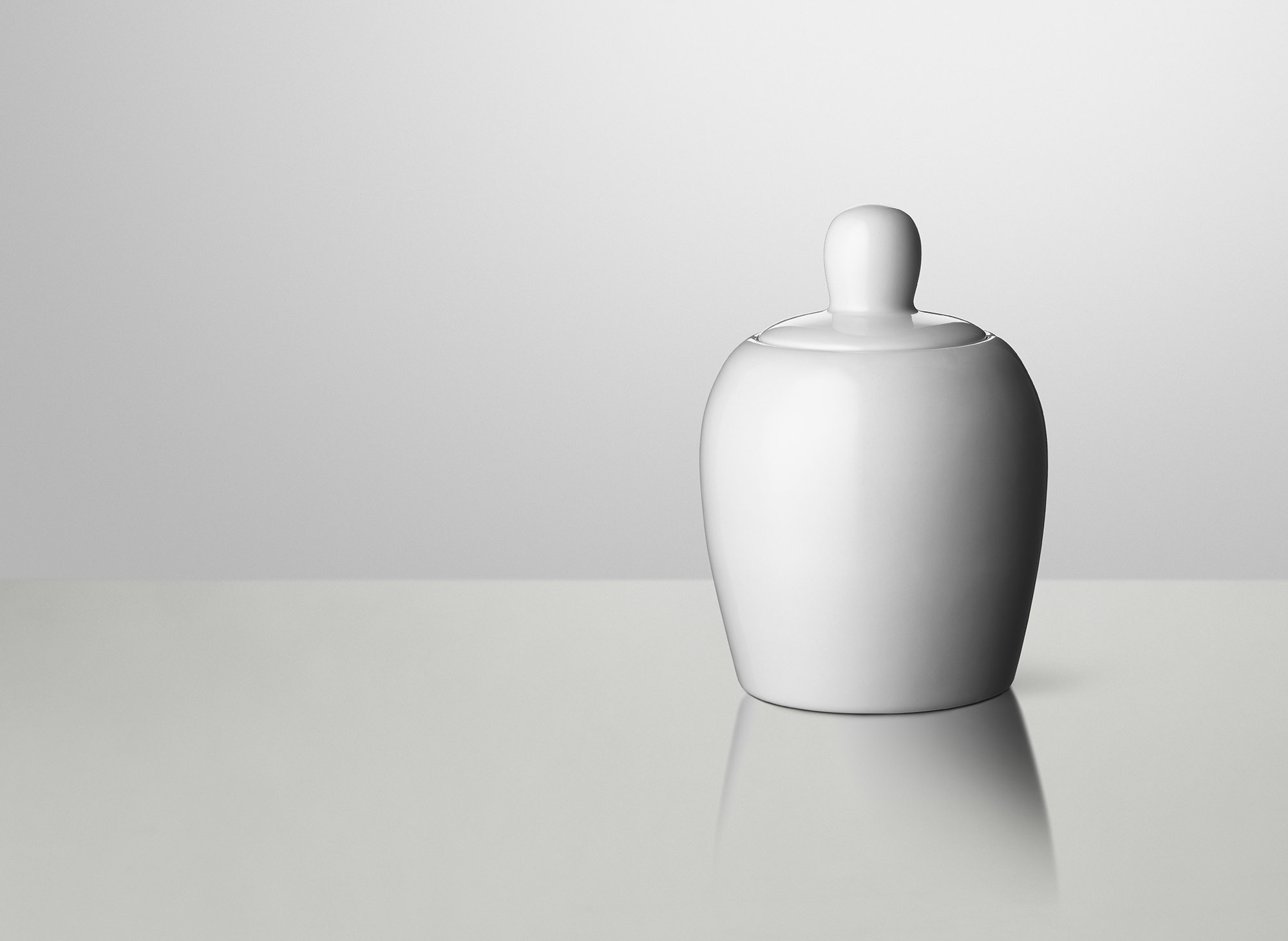 Bulky_Cookie-jar_White_2000x1461