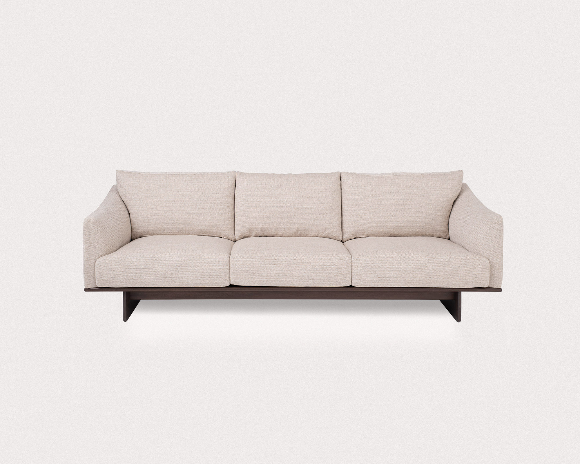 Grade-LargeSofa_Savanna202_walnut-2_2000x1601_rev