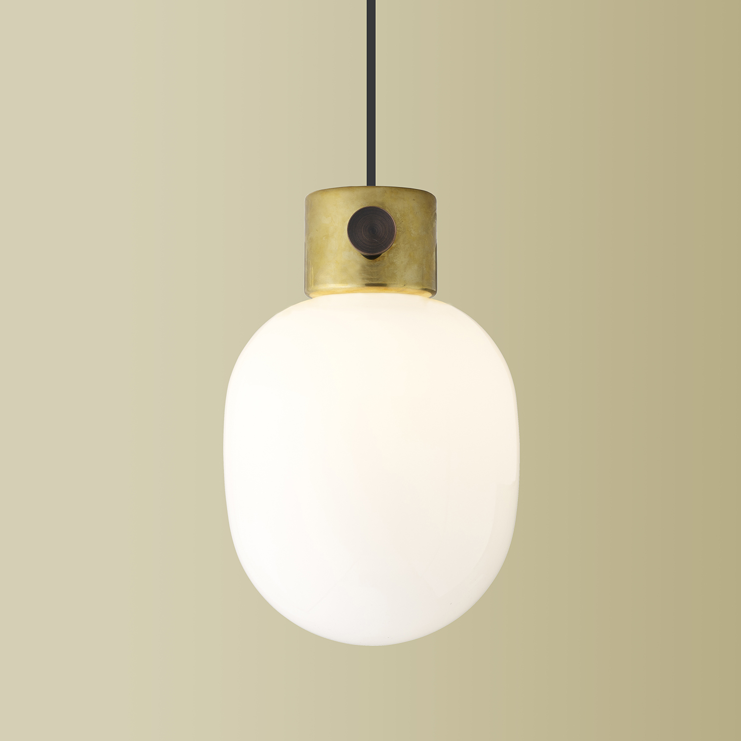 JWDA-pendant-fix_brass1_bg-yellow_1500x1500