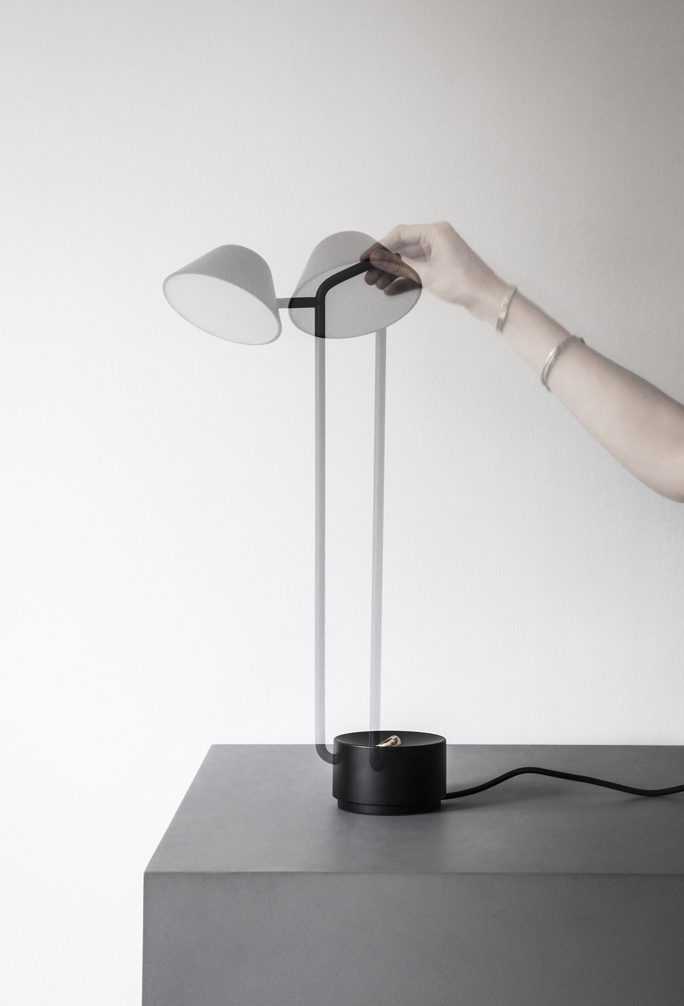 Peek Table Lamp (2015)