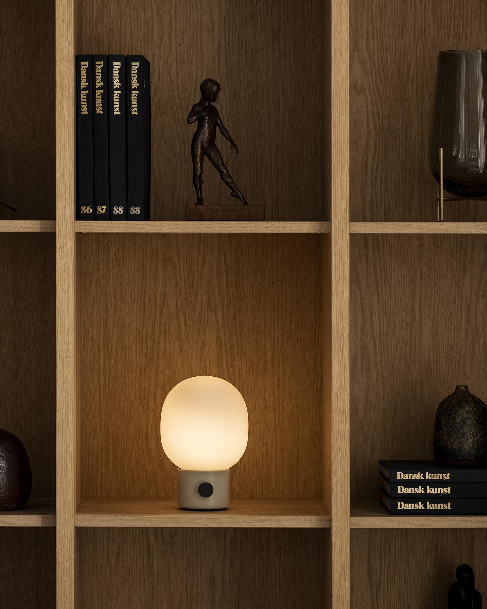 JWDA-Portable-shelf1_1600x2000